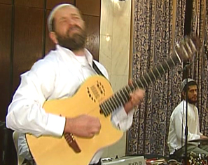 Yoel Taieb improvisating on a nigun